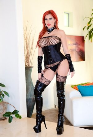 Ravishing Mom i`d like to fuck with red hair and also juicy tits poses on cam dressed in latex boots